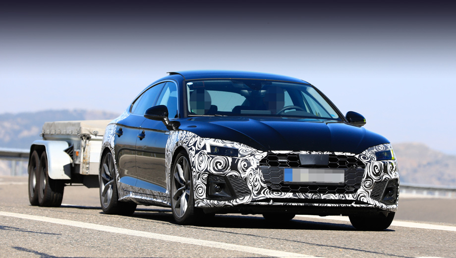 Audi a5,Audi a5 sportback. В отличие от «а-четвёртой», обновление A5 не затронуло дверные панели. Но традиционный для середины жизненного цикла набор перемен соблюдён: бамперы, решётка радиатора и вся оптика — новые.