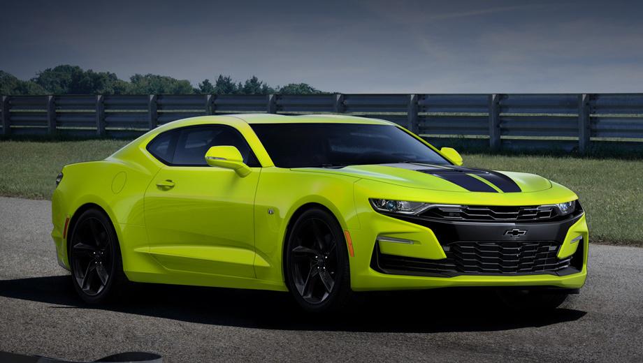 Chevrolet camaro. Ядовитый цвет Shock Yellow был впервые представлен на тюнинг-шоу SEMA в 2016 году концептом Camaro Turbo AutoX. Описание гласит, что спецверсии «призваны шокировать». Что ж, в лёгкий шок повергает даже качество картинок.