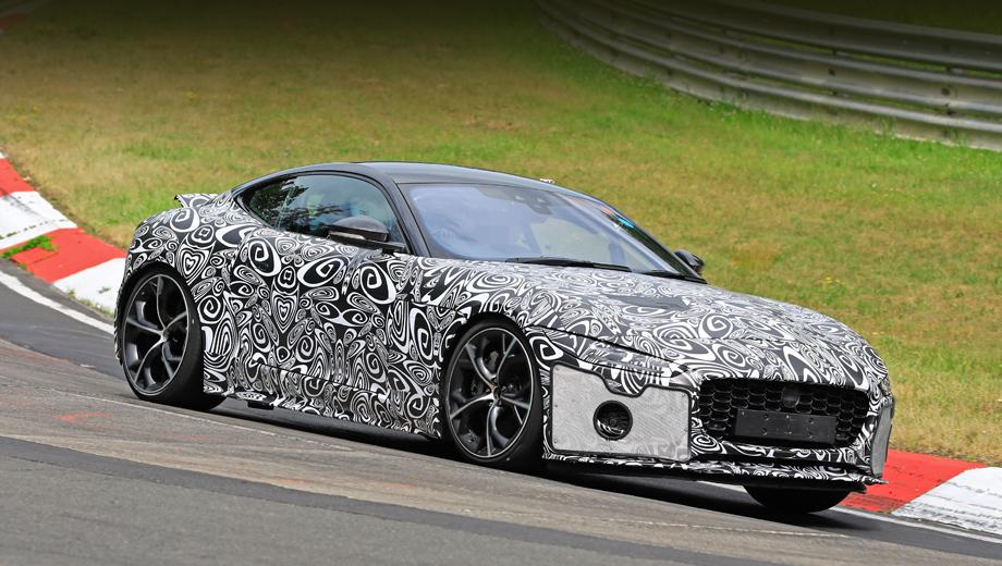 Jaguar f-type. Двери, остекление и крыша выдают в этой машине перекроенного предшественника, а новые узкие фары преобразили «выражение лица».