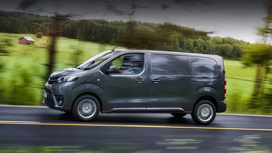 Toyota proace,Toyota proace city. Модель Toyota Proace нынешнего поколения поступила в продажу в 2016-м и является клоном французских близняшек Citroen SpaceTourer и Peugeot Traveller, Citroen Jumpy и Peugeot Expert. Ещё есть в этой семье Opel Zafira Life и Opel Vivaro.
