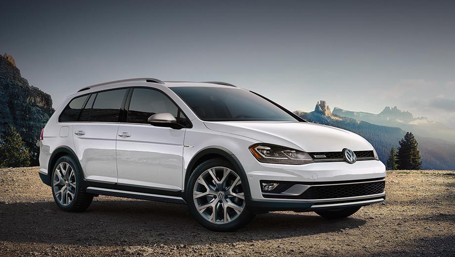 Volkswagen golf,Volkswagen golf alltrack,Volkswagen golf sportwagen. Вседорожник Golf Alltrack с клиренсом в 175 мм «в базе» оснащается полным приводом 4Motion. Сейчас универсал остался с одним бензиновым мотором 1.8 TSI (180 л.с., 280 Н•м), спаренным с шестиступенчатой «механикой» либо «роботом» DSG. Цены начинаются с $26 895 (1,7 млн рублей).