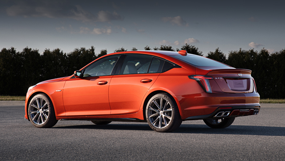 Cadillac ct4,Cadillac ct4-v,Cadillac ct5,Cadillac ct5-v. Обычный CT5-V (на фото) будет превращён в более производительный доработкой шасси, заменой колёсных дисков и, чего все ждут, двигателя. А вот какой будет использован — есть разночтения.