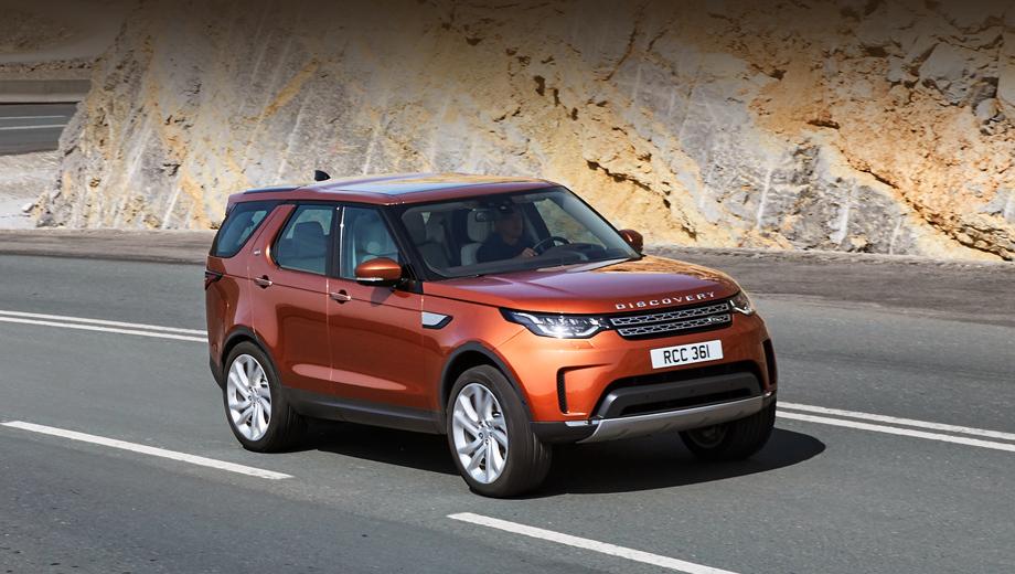 Jaguar xj,Jaguar j-pace. В ближайшие месяцы модели Discovery (на фото) светит в лучшем случае превращение в заряжаемый от сети гибрид, как это анонсировано для кроссовера Land Rover Discovery Sport. Учитывая платформу D7u, на Discovery можно ожидать установку, подобную той, что применена в гибриде Range Rover P400e (там турбочетвёрка 2.0 и комбинированная отдача в 404 «лошадки»).