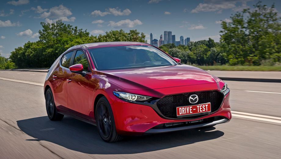 Mazda 3. Цены начинаются от 1,49 млн рублей за базовый Drive 1.5 с «механикой». Остальным версиям положен «автомат»: от 1,59 млн. Доплата за двухлитровый мотор составляет 70 тысяч. Хэтчбек с полным набором опций, как на фотографиях, стоит свыше 1,8 млн.