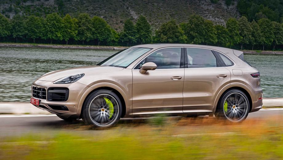 Porsche cayenne. Заказы уже принимаются: Cayenne Turbo S E-Hybrid стоит от 12 342 000 рублей, а Cayenne Turbo S E-Hybrid Coupe ― от 12 863 000. Основным конкурентом можно назвать соплатформенный Urus, за который просят минимум 16,5 млн рублей.