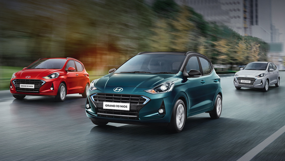 Hyundai i10. Приставка Grand сопутствует хэтчу в Индии с 2013 года, поскольку вторая генерация не заместила первую, а заняла слот между ней и старшей моделью i20. «Фамилия» Nios означает то же, что  английское слово More: больше места, больше функций, больше впечатлений и так далее.