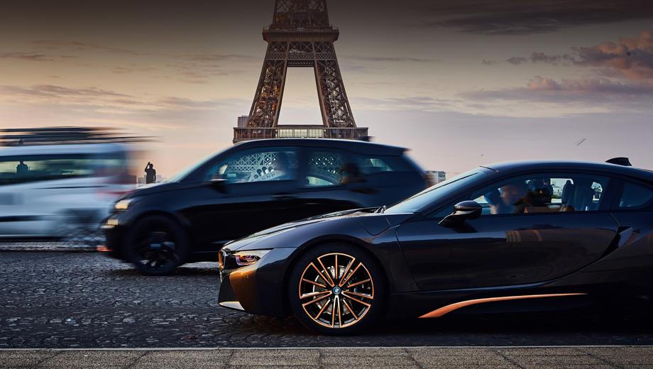 Bmw i3,Bmw i8. Компания называет i8 самым успешным спортивным гибридом в мире. За январь–июнь 2019-го в США куплено 673 экземпляра, в Европе — 669. В России за этот же период хозяев нашла пятёрка «ай-восьмых» (одно купе и четыре родстера).