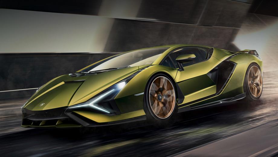 Lamborghini sian. Эта «молния» является первым гибридом Lamborghini, который можно приобрести (до неё был лишь концепт Asterion LPI 910-4 2014 года). Данный образец окрашен в зелёный Verde Gea и золотистый Oro Electrum с многослойным покрытием, содержащим хлопья золота.
