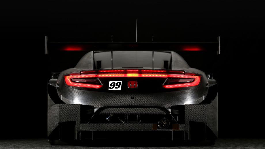 Honda nsx. С 2014 по 2016 год Honda участвовала в серии Super GT в классе GT500 с моделью NSX Concept-GT, а с 2017 по 2019-й — с NSX-GT (на фото). Теперь машина преобразована куда сильнее прежнего.
