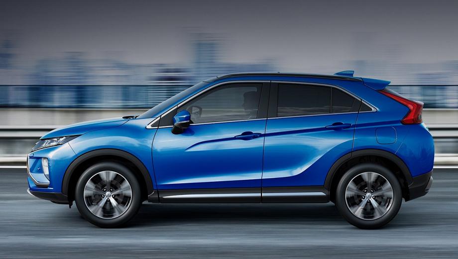Mitsubishi eclipse cross. В кузовной палитре появился новый оттенок — голубой «металлик» (на фото). Доплата за него составляет 17 000 рублей, «белый перламутр» обойдётся в 20 000, «красный бриллиант» — в 32 000.