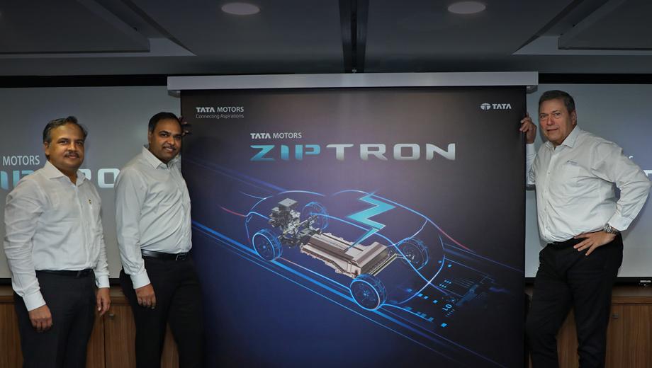 Tata ziptron. «Мы с гордостью представляем технологичный бренд Ziptron, созданный силами нашей глобальной инженерной сети. Он станет основой будущей линейки электромобилей, — заявил гендиректор Гюнтер Бутшек (крайний справа). — Мы надеемся запустить новую волну электромобильности в Индии».