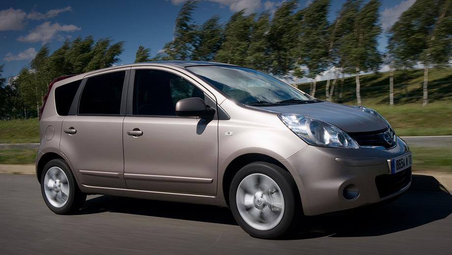 Nissan note. В декабре 2017 года Note и Tiida уже приглашались на замену подушек, причём проверке подвергались автомобили тех же лет, что и сейчас (2008–2014), однако машин было поменьше — 127 738 единиц.
