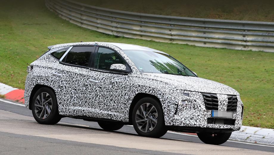 Hyundai tucson,Hyundai i30,Hyundai i30 n,Hyundai i30 n fastback. Фронтальная оптика нового Туссана окажется многоэтажной и наверняка напомнит Santa Fe последнего поколения. Решётка уже демонстрирует затейливый объёмный рельеф.