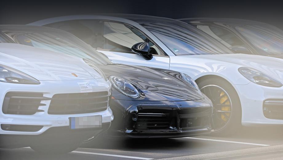 Porsche 911,Porsche 911 sport classic. На тестовой машине есть ещё накладки и плёнка, прикрывающая кое-какие участки обоих бамперов, а также оптики. К слову, нос автомобиля показывает своего рода «превью» бампера будущей версии Turbo.