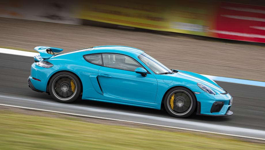 Porsche boxster,Porsche cayman. От спорткаров, максимально ориентированных на трек и водителя вроде Каймана GT4 компания не откажется. Даже намерена сохранить жизнь «механике» (в каких-то модификациях). Но в случае с Кайманом, похоже, это всё будут очередные перекройки нынешнего поколения, а не полностью новые модели.