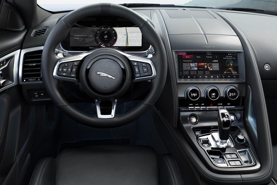 Семейство Jaguar F-type обзавелось новой версией мотора V8