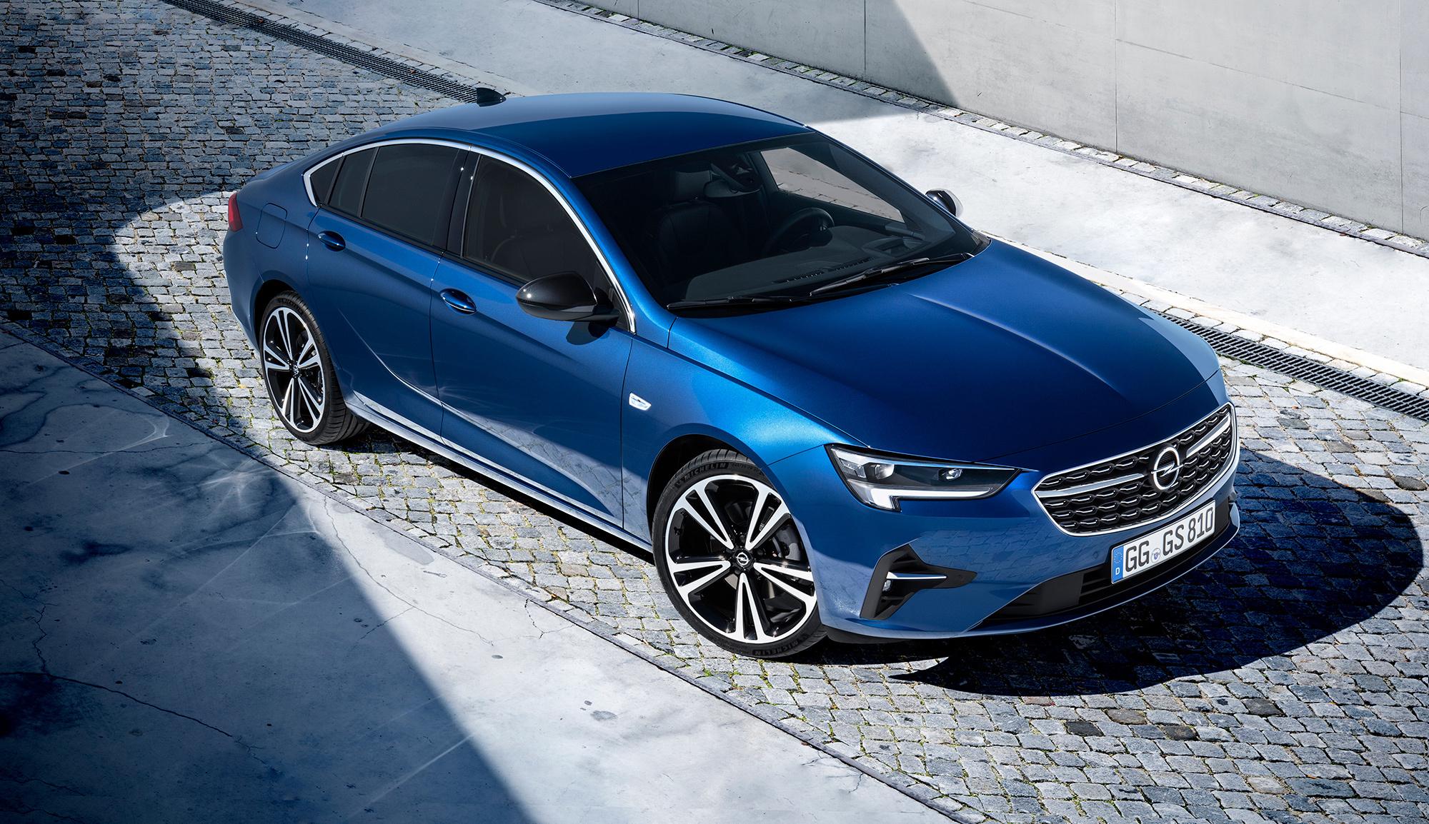 Подтяжка лица принесла семейству Opel Insignia новые фары