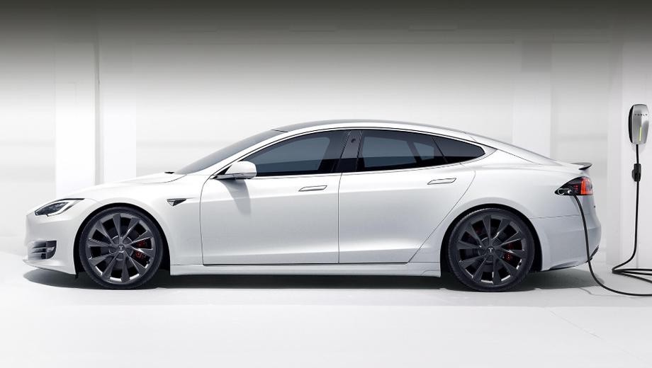 Tesla model 3. Мы знаем, что Теслы-миллионники реальны, но их владельцы хотя бы раз заменяли в машинах тяговый аккумулятор, а кто-то и два раза. Компания хочет довести живучесть батареи до уровня самой машины.