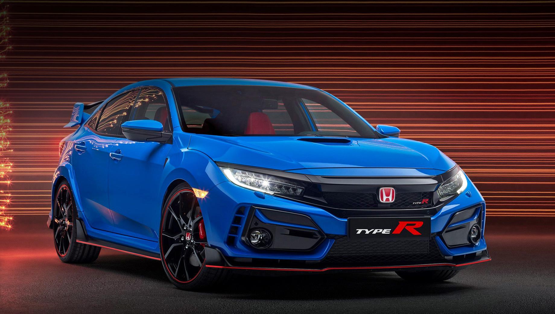 Honda civic,Honda civic type r,Honda s660. В оба бампера внедрены L-образные вставки в цвет кузова (на фото новый эксклюзивный колер Boost Blue), светодиодные фары отныне закреплены на чёрной подложке, коррекция решётки улучшила охлаждение двигателя — других новаций не видно.