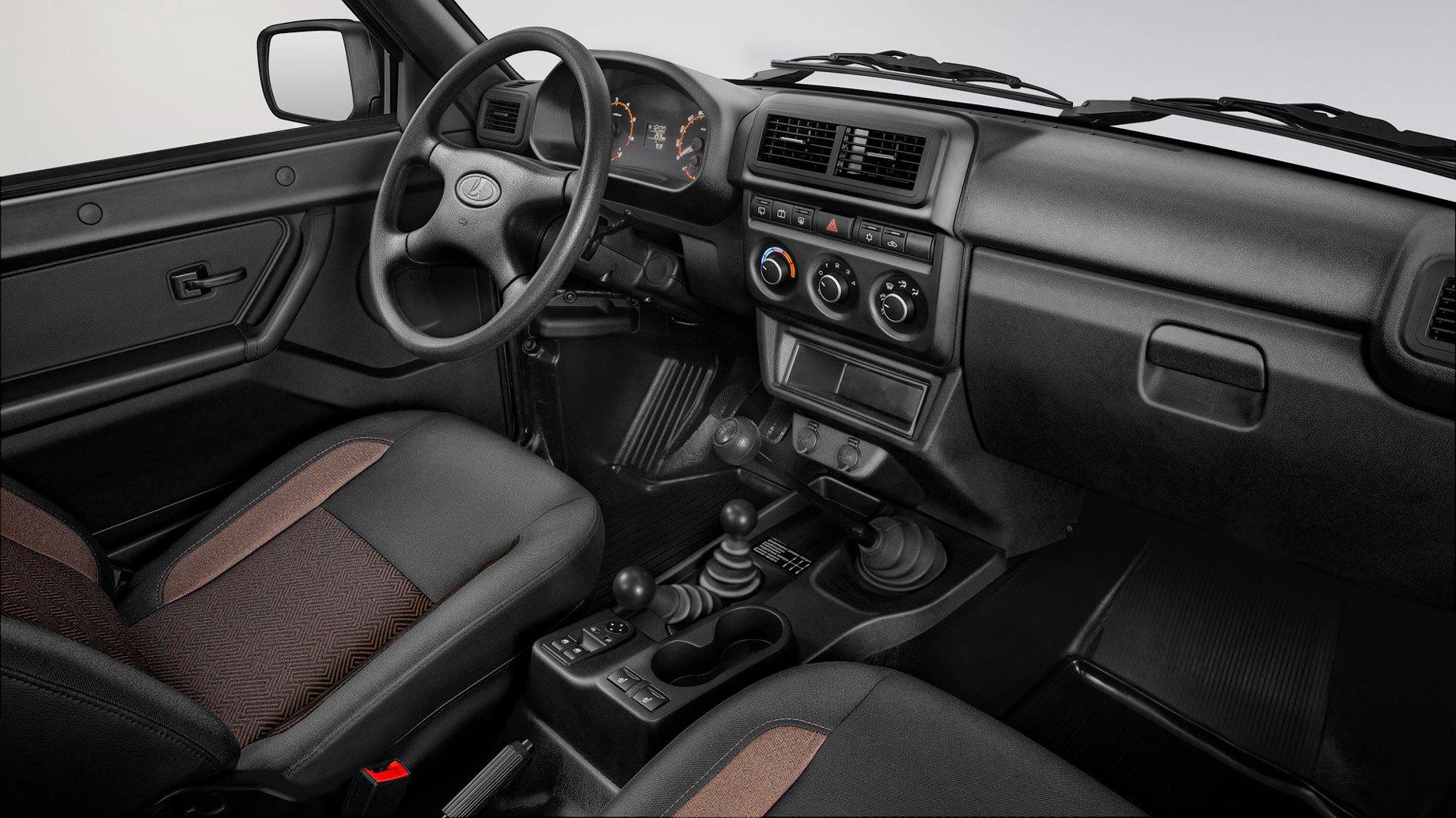 Новый интерьер приподнял цены на внедорожник Lada 4x4