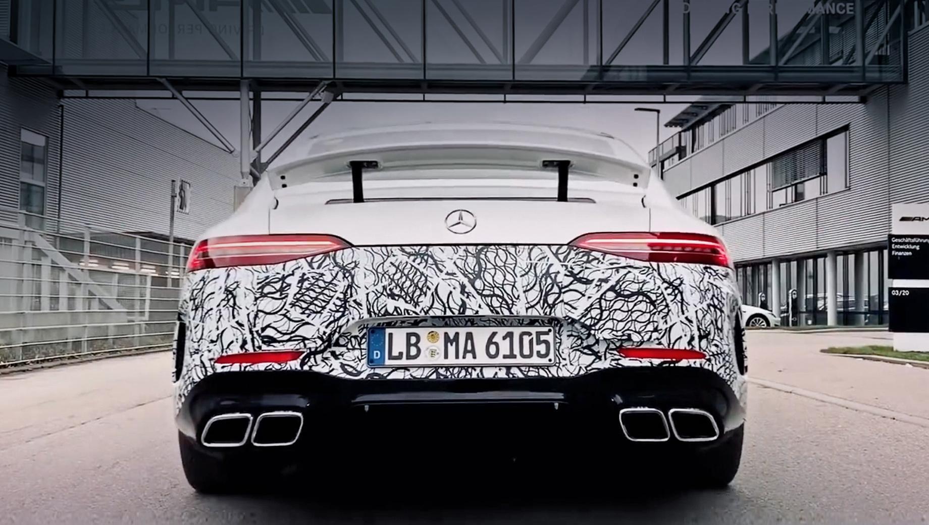 Mercedes amg gt,Mercedes amg gt 73. Mercedes-AMG GT 73 получит то же оборудование, что и версия AMG GT 63. Не нужно будет доплачивать за пневмоподвеску, адаптивные амортизаторы, полноуправляемое шасси, задний самоблокирующийся дифференциал с электронным управлением и углеродокерамические тормоза.
