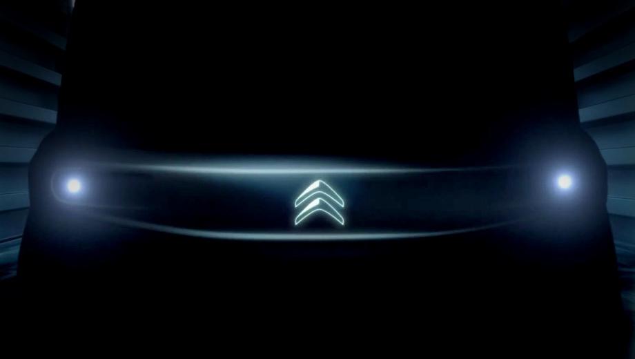 Citroen ev,Citroen concept. Мордочка с круглыми фарами и подсвеченным логотипом напоминает Хонду e. Вряд ли компания воскресит Citroen C1 (2005–2014), хотя после слияния PSA и FCA это возможно посредством унификации с Фиатом 500e. Между тем проекты E-Mehari и C-Zero скорее мертвы, чем живы.