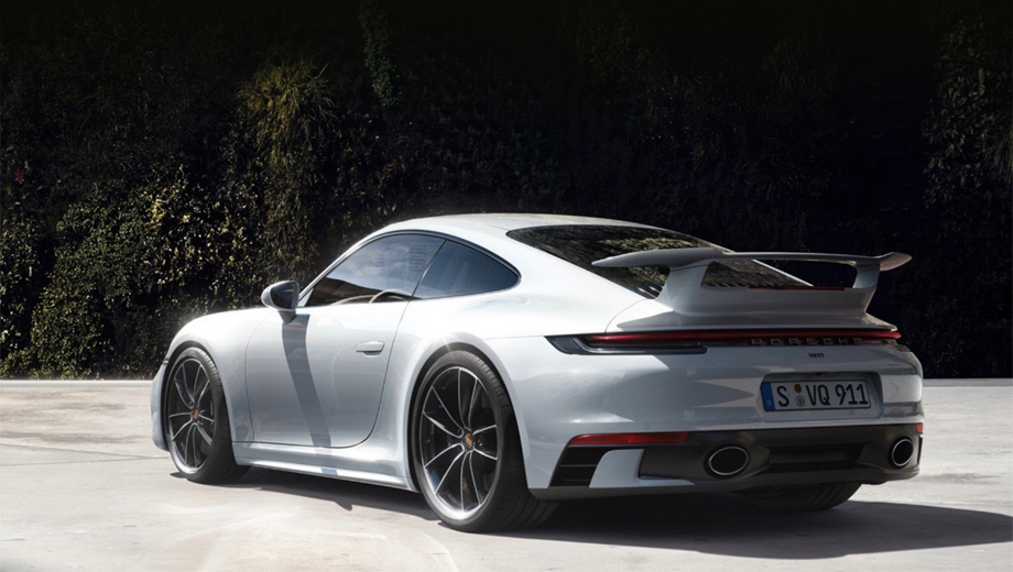 Porsche 911. Начальная 385-сильная версия 911 Carrera стоит от 7 226 000 рублей. А с новым крылом её прайс превысит 7,6 млн. А на данном снимке ещё и патрубки нестандартные: от опциональной спортивной выхлопной системы (плюс 192 956 рублей).
