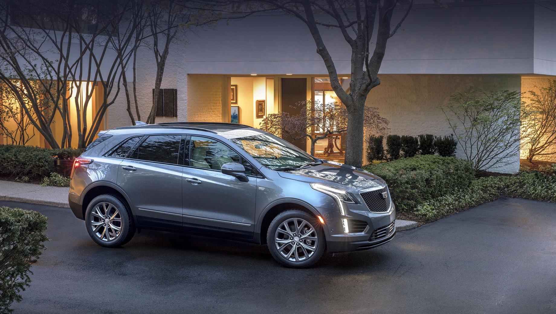 Cadillac ev,Cadillac xt5. Паркетник Cadillac XT5 пребывает в первом поколении и только в 2019-м прошёл рестайлинг. А вот второе поколение, согласно изданию Cadillac Society, в серийном виде будет показано в 2022-м, и будет оно электрокаром.