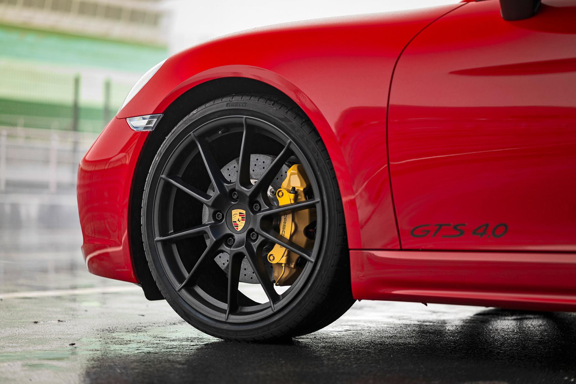Возвращаем недостающие цилиндры Porsche 718 GTS 4.0
