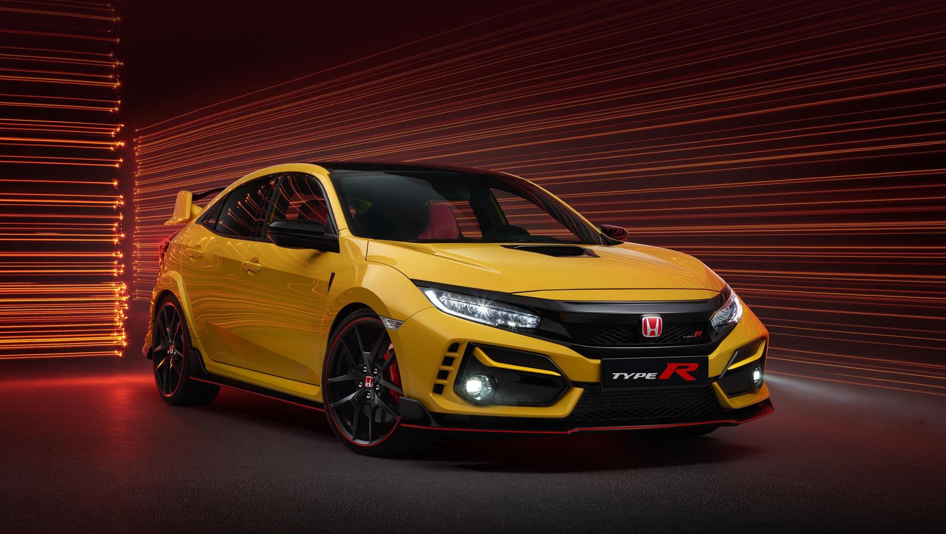 Honda civic,Honda civic type r. На всех вариантах хэтчбека Type R силовая установка неизменна: турбочетвёрка 2.0 (320 л.с., 400 Н•м) с шестиступенчатой «механикой» (параметры для Европы).