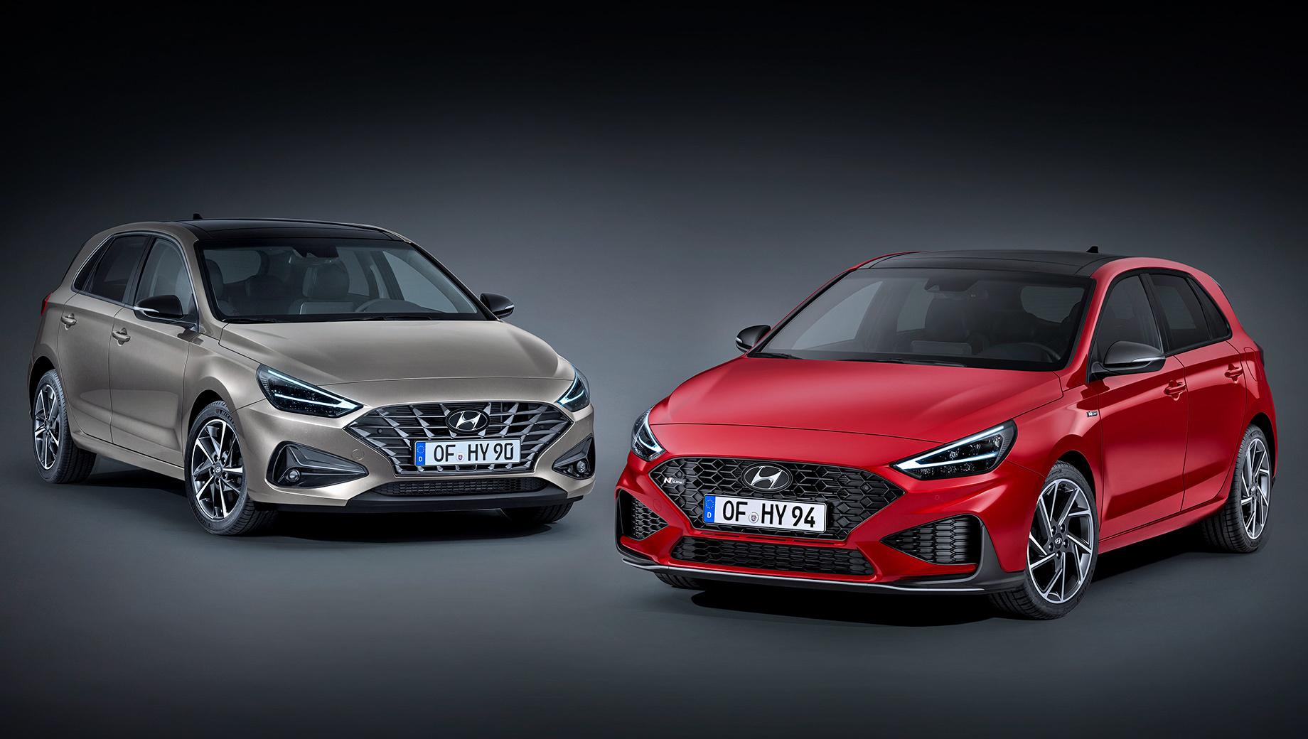 Hyundai i30. Пока это единственная картинка, позволяющая увидеть обычный хэтч (слева). Структура его «гриля» напоминает паутину. На всех остальных фото Hatchback, Fastback и Wagon представлены со «спортивным» пакетом N Line. Универсал получил его впервые.