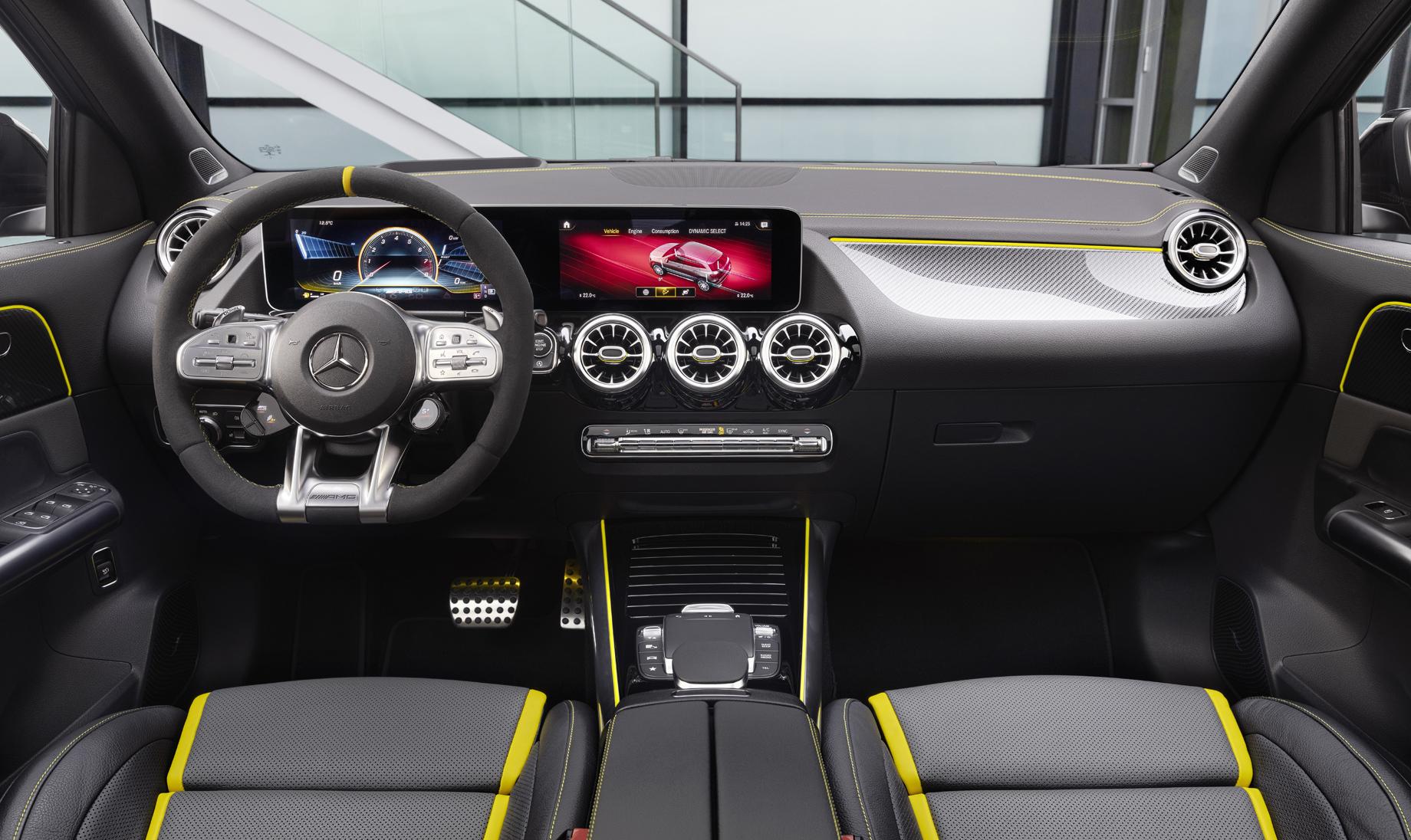 Паркетник Mercedes-AMG GLA 45 S похвалился рекордной турбочетвёркой