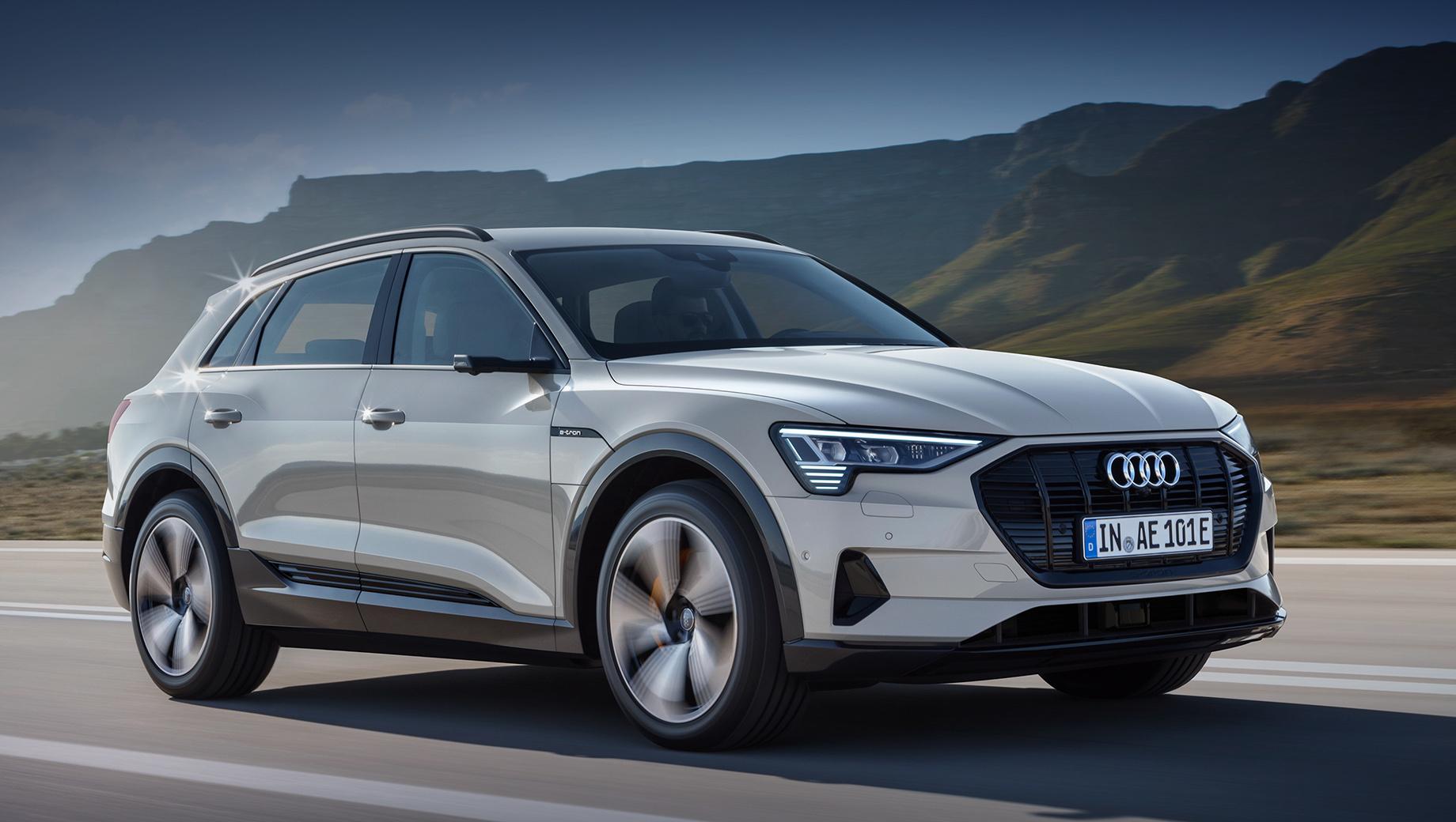 Audi e-tron. Хотя продажи электромобилей в России растут, батарейных кроссоверов — раз (Jaguar I-Pace) и обчёлся. Вроде собирался приехать Mercedes-Benz EQC, но о нём давненько ничего не слышно.