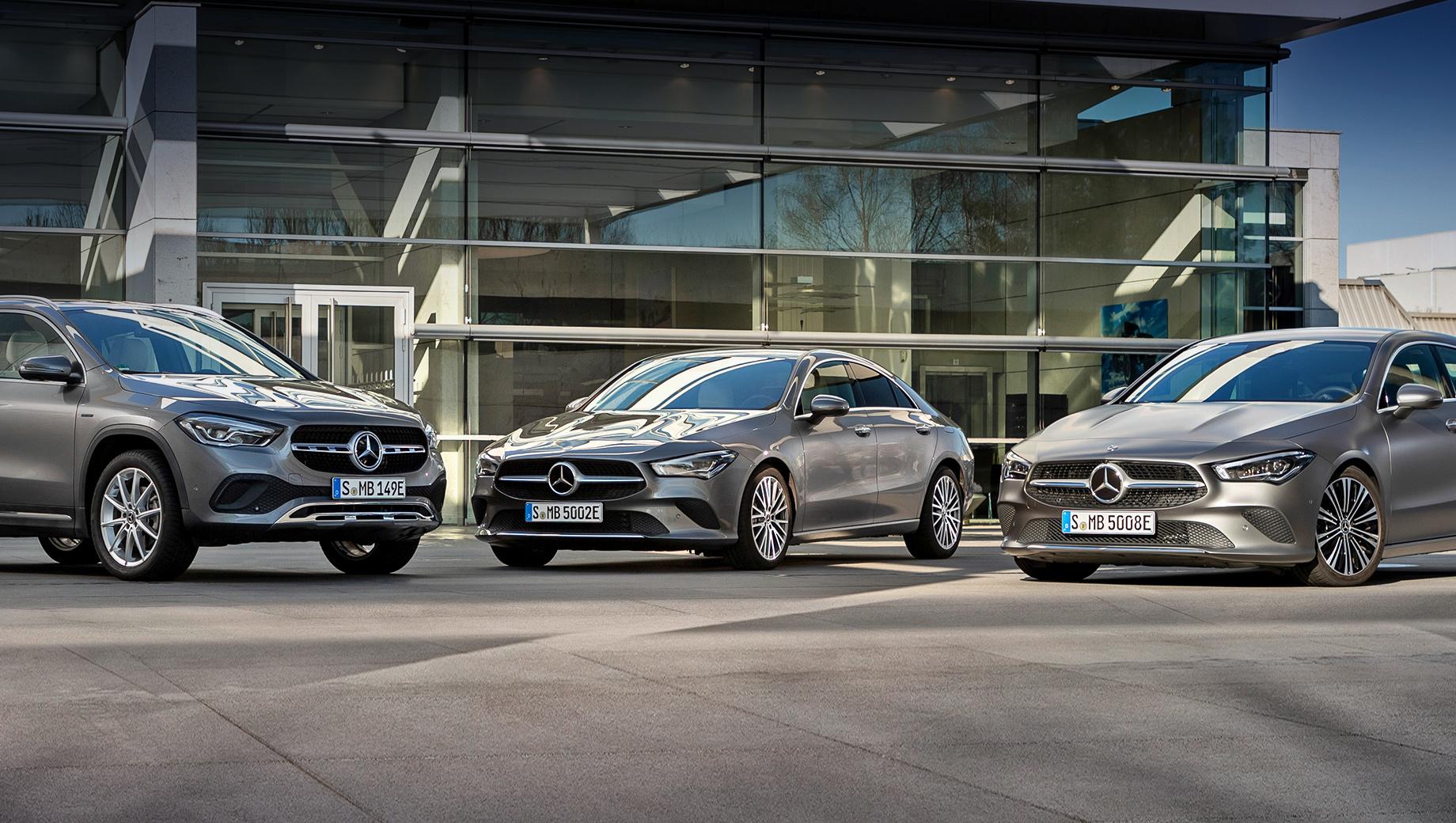 Mercedes gla,Mercedes cla,Mercedes cla shooting brake. Зарядка батареи с 10% до 80% от станции постоянного тока на 24 кВт длится 25 минут. Настенный терминал переменного тока (7,4 кВт) требует на пополнение с 10% до 100% один час и 45 минут.