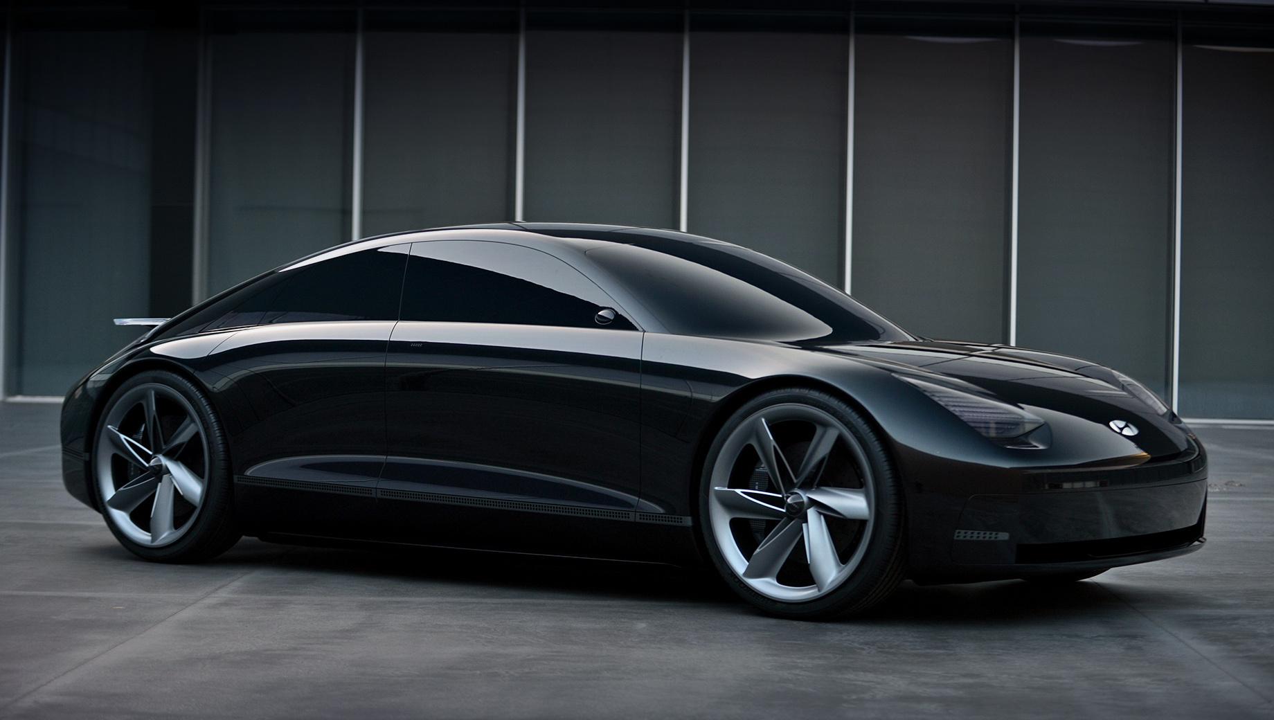 Hyundai ev prophecy,Hyundai concept. Едва появившись на свет, фастбек сделался «иконой» и задал «новый стандарт для EV-сегмента». В «первозданных поверхностях» и чистых линиях заложена «эстетическая гармония». Ей способствуют длинная колёсная база и короткие свесы.