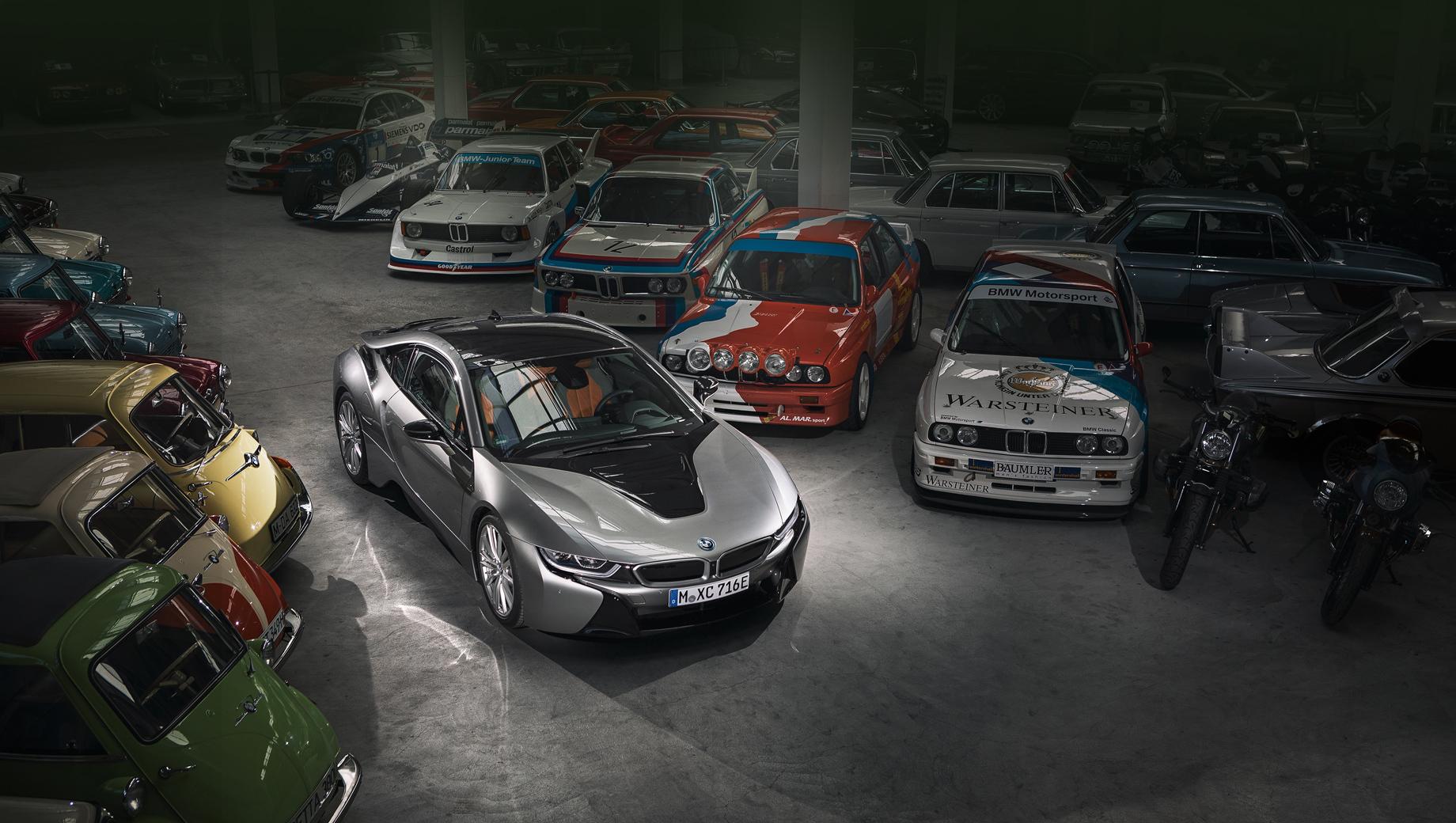 """Bmw i8. «Машина находится на последнем этапе пути в """"Зал славы"""" спортивных автомобилей BMW», — поясняют баварцы."""