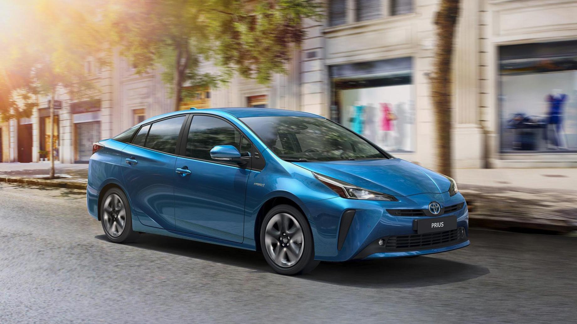 Гибридам Toyota Prius придётся поменять замки ремней