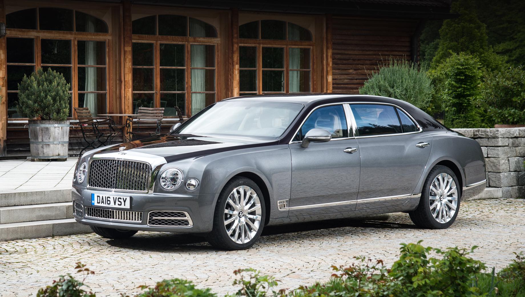 Bentley mulsanne,Bentley bentayga. Мы привыкли видеть Mulsanne на вершине модельной гаммы Bentley (тут показан длиннобазный вариант). Но что, если самым дорогим серийным Bentley окажется вовсе не седан?