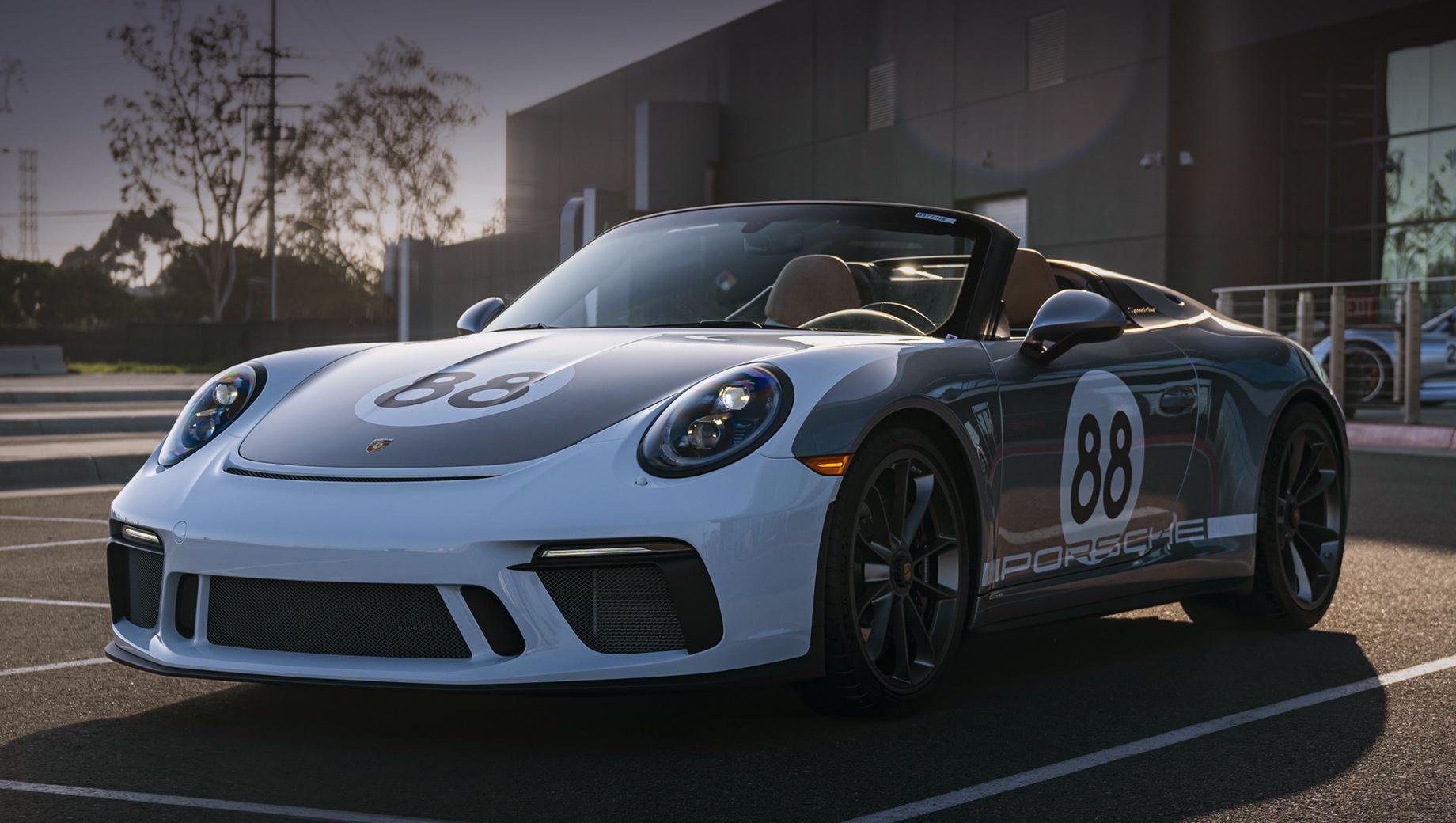Один из спорткаров Porsche 911 Speedster уйдёт с молотка