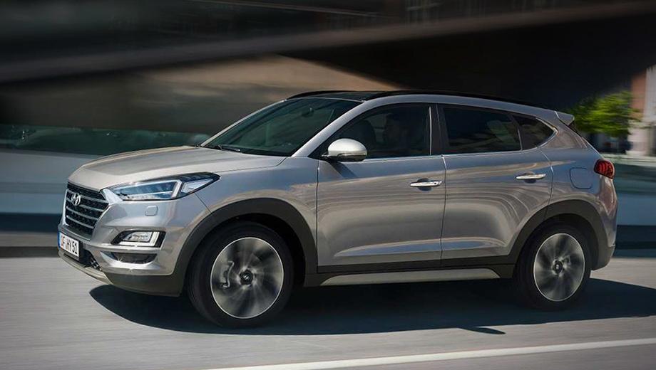 Hyundai tucson. Эксклюзивных элементов для экстерьера новинки не предусмотрено. Колёса — стандартные легкосплавные с шинами размерностью 225/60 R17. Запасным полноразмерным колесом тоже комплектуются все кроссоверы Tucson без исключений.