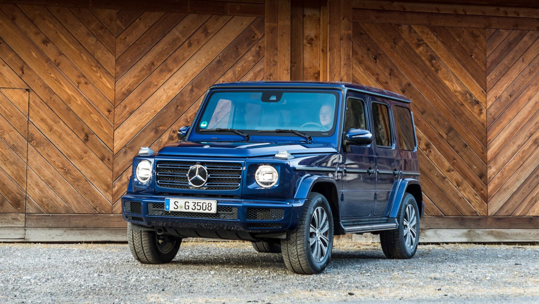 Mercedes g. В прошлом году в России нашёл покупателей 1391 экземпляр Гелендвагена, и это была четвёртая строчка в сегменте. Нынешний диапазон цен: от 7,94 млн рублей за 249-сильную версию G 350 d до 13,83 млн за 585-сильный вариант G 63.