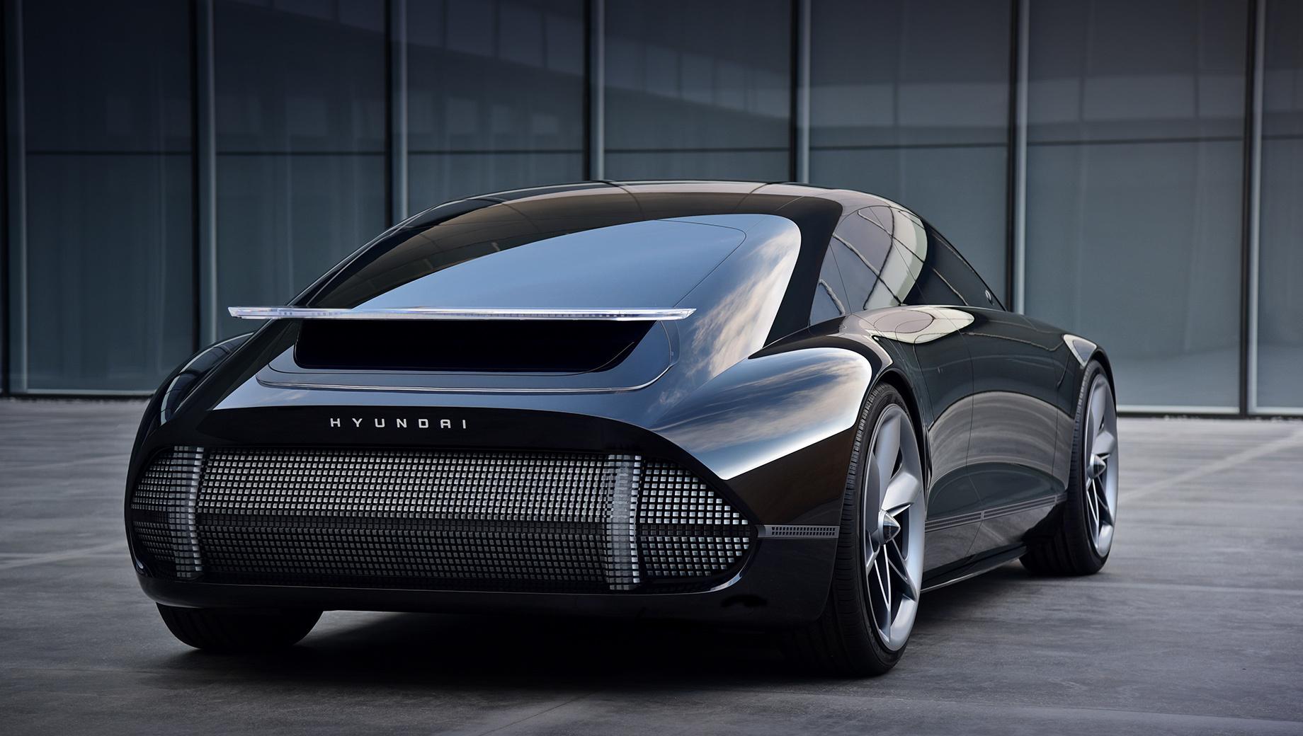 Hyundai ev prophecy,Hyundai ioniq,Hyundai ioniq electric. Матрицы из светодиодов, размещённые на носу и хвосте фастбека, в Hyundai называют «пиксельными лампами». Они свяжут электрокары Prophecy и 45 между собой и будут рассматриваться как функциональная альтернатива хромированным украшениям.