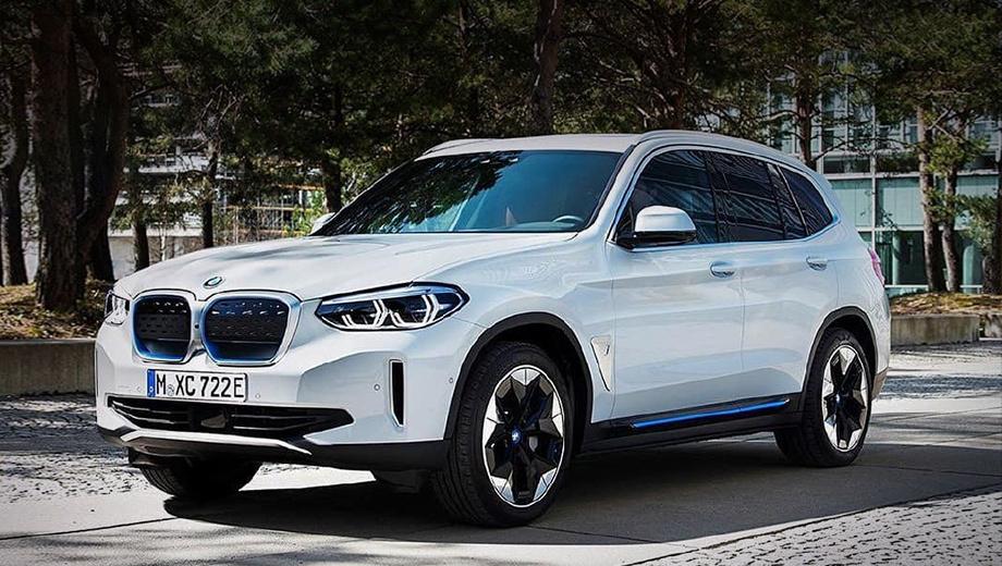 Bmw ix3. Предположительно, в Германии за электрокроссовер BMW iX3 будут просить 62–65 тысяч евро (5–5,3 млн рублей). Ориентиром может служить 292-сильный гибридный BMW X3 xDrive30e за 57 400 евро (4,6 млн рублей).