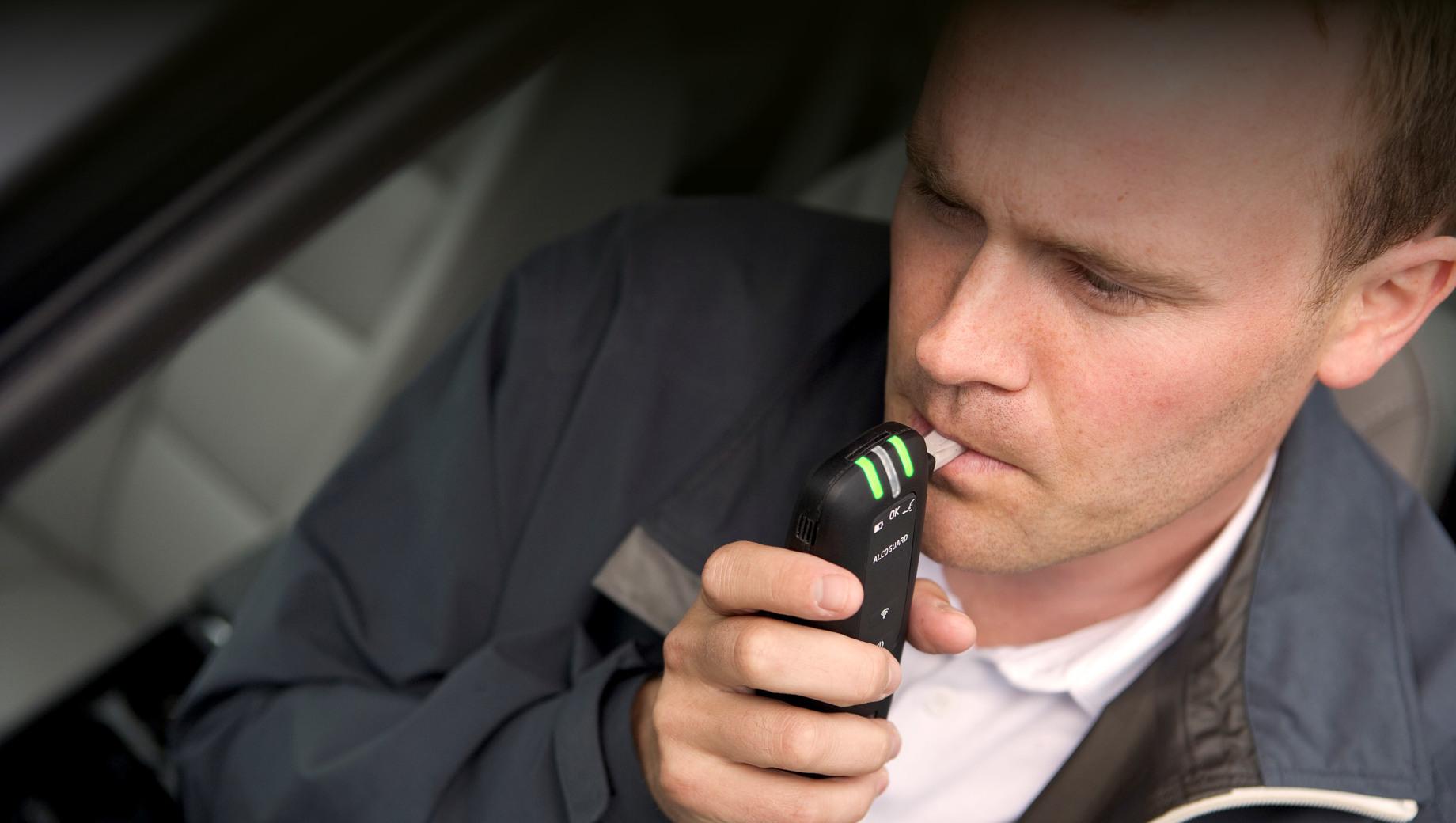 Новые автомобили в ЕС оснастят интерфейсом для алкотестера