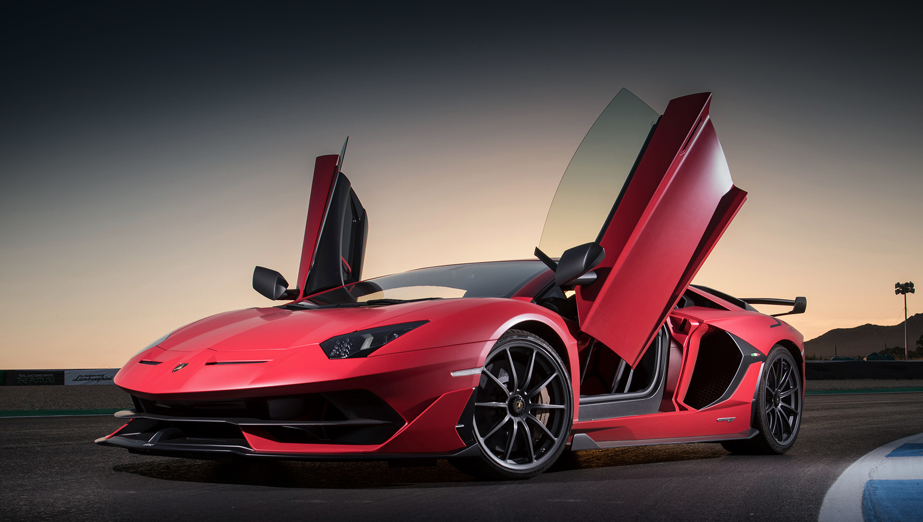 Дополнено: Lamborghini Aventador SVJ отозван из-за механизма дверей