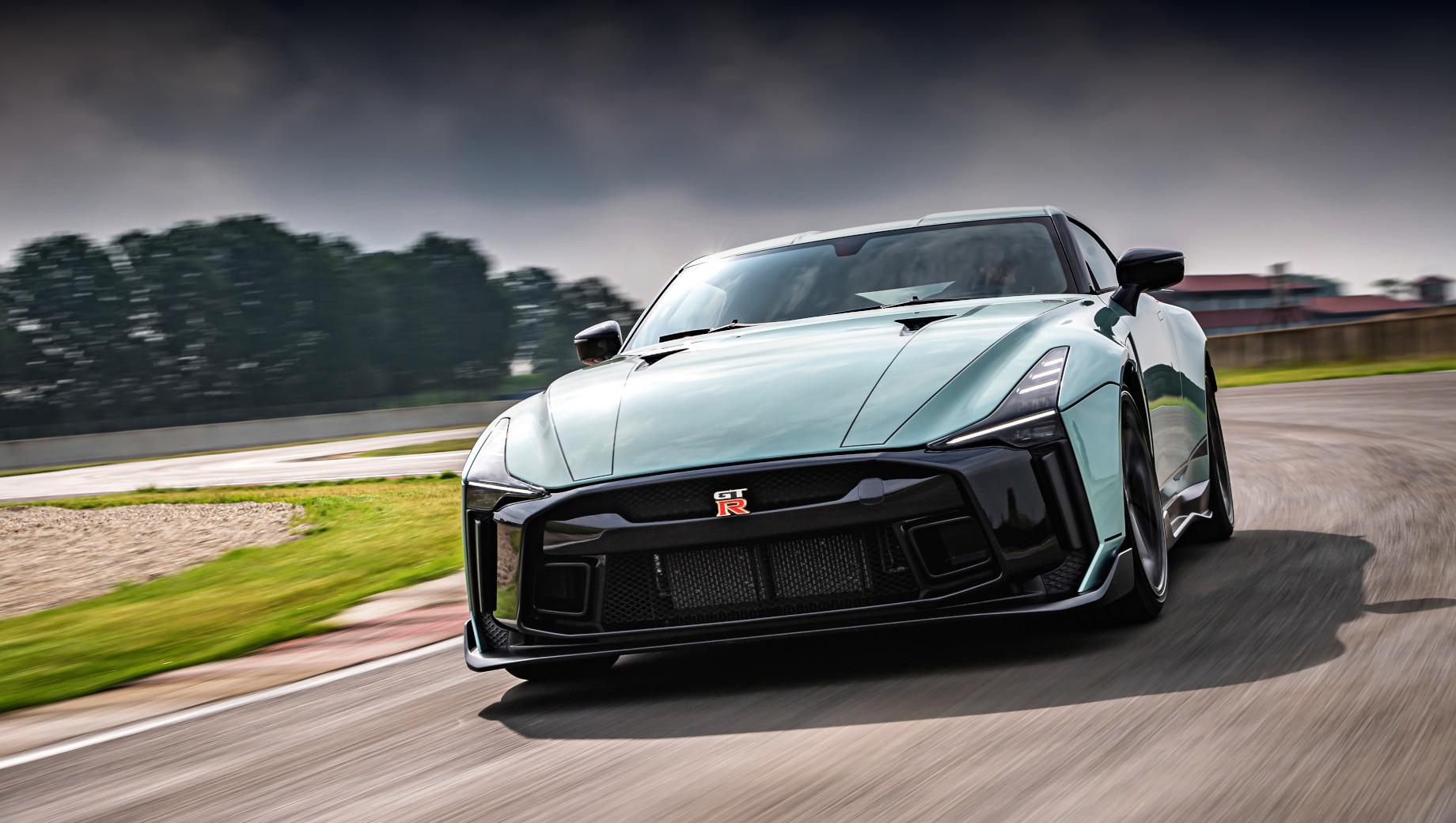 Премьера серийного купе Nissan GT-R 50 состоялась в Италии