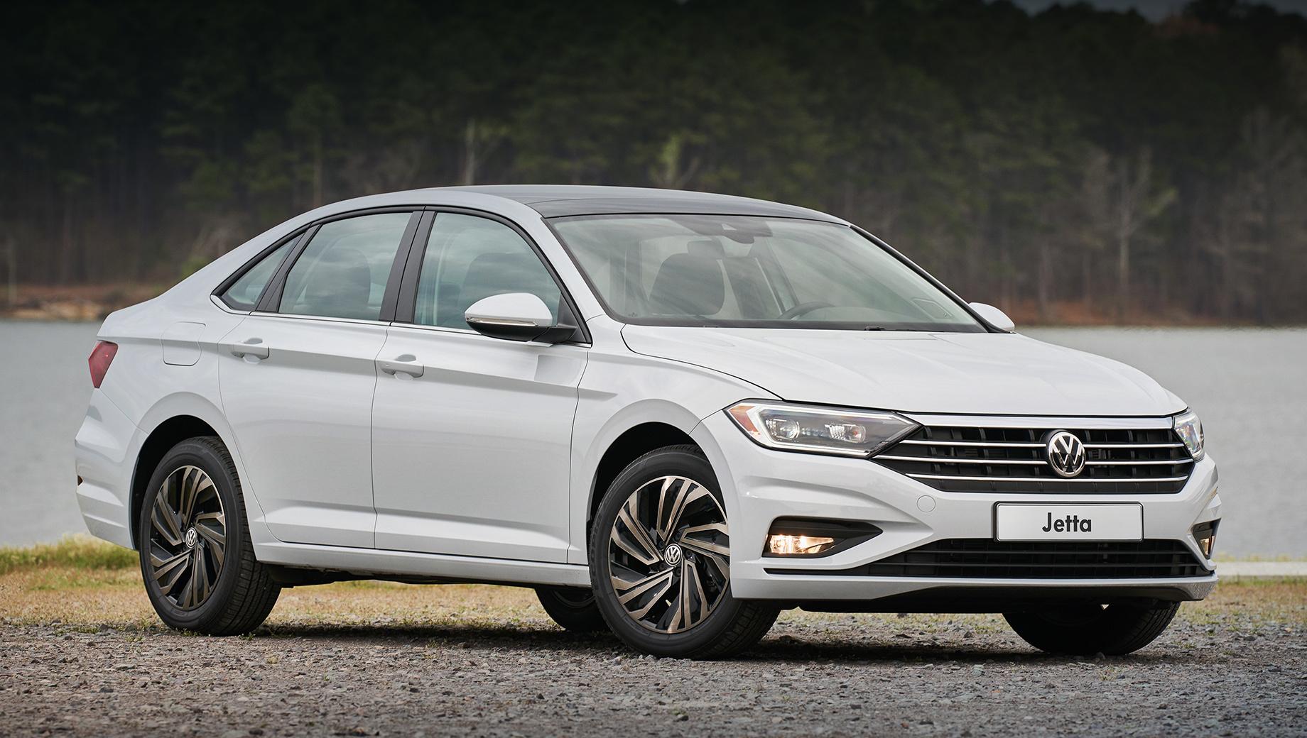 Volkswagen jetta. Светодиодные фары и фонари войдут в стандартное оснащение, как и легкосплавные диски на 16 и 17 дюймов. Предусмотрены три комплектации: Origin, Respect, Status. Напомним, после переезда на платформу MQB седан удлинился на 43 мм (4702), колёсная база выросла на 35 мм (2686).