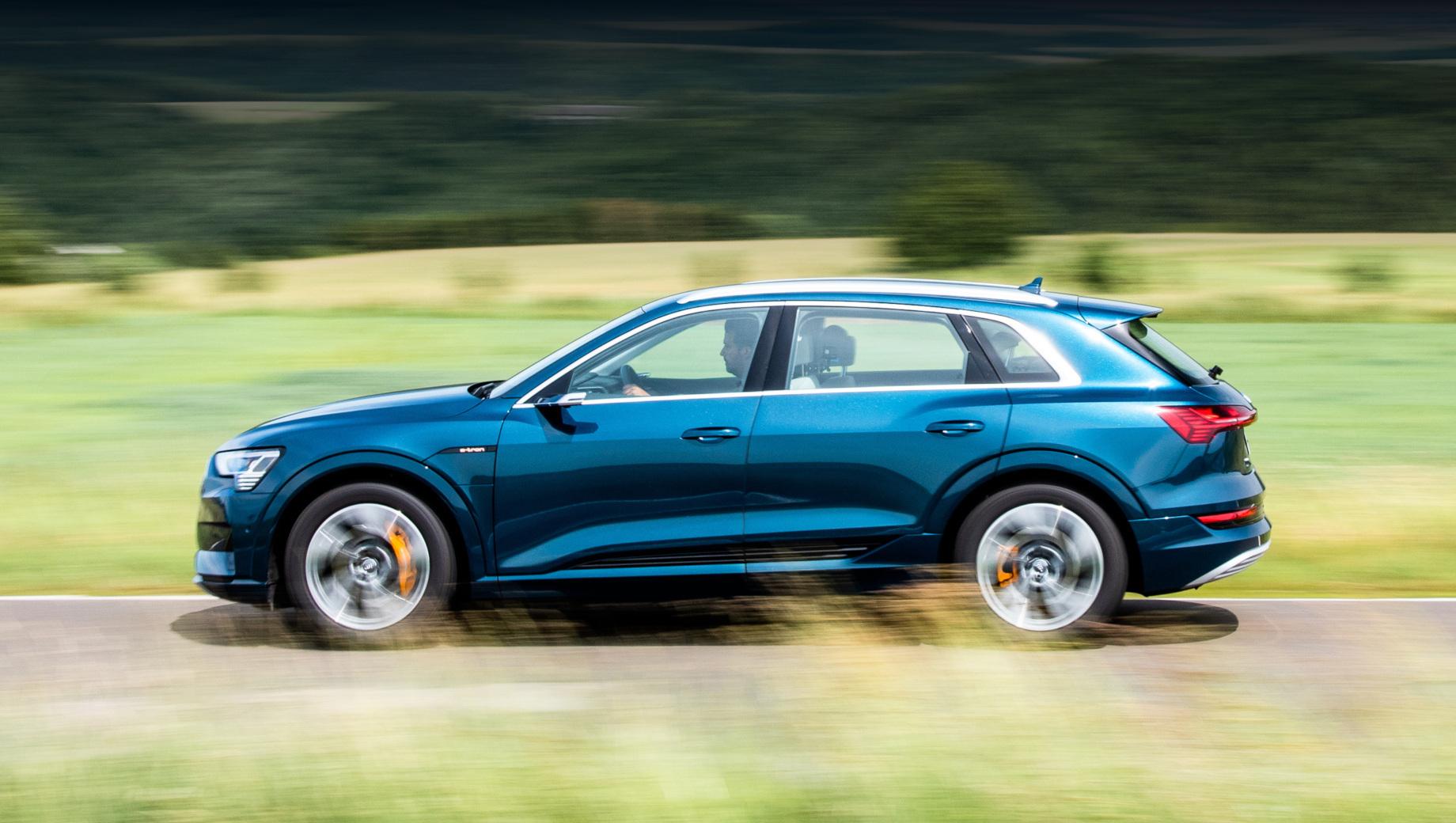 Стартовали продажи электрокара Audi e-tron в России