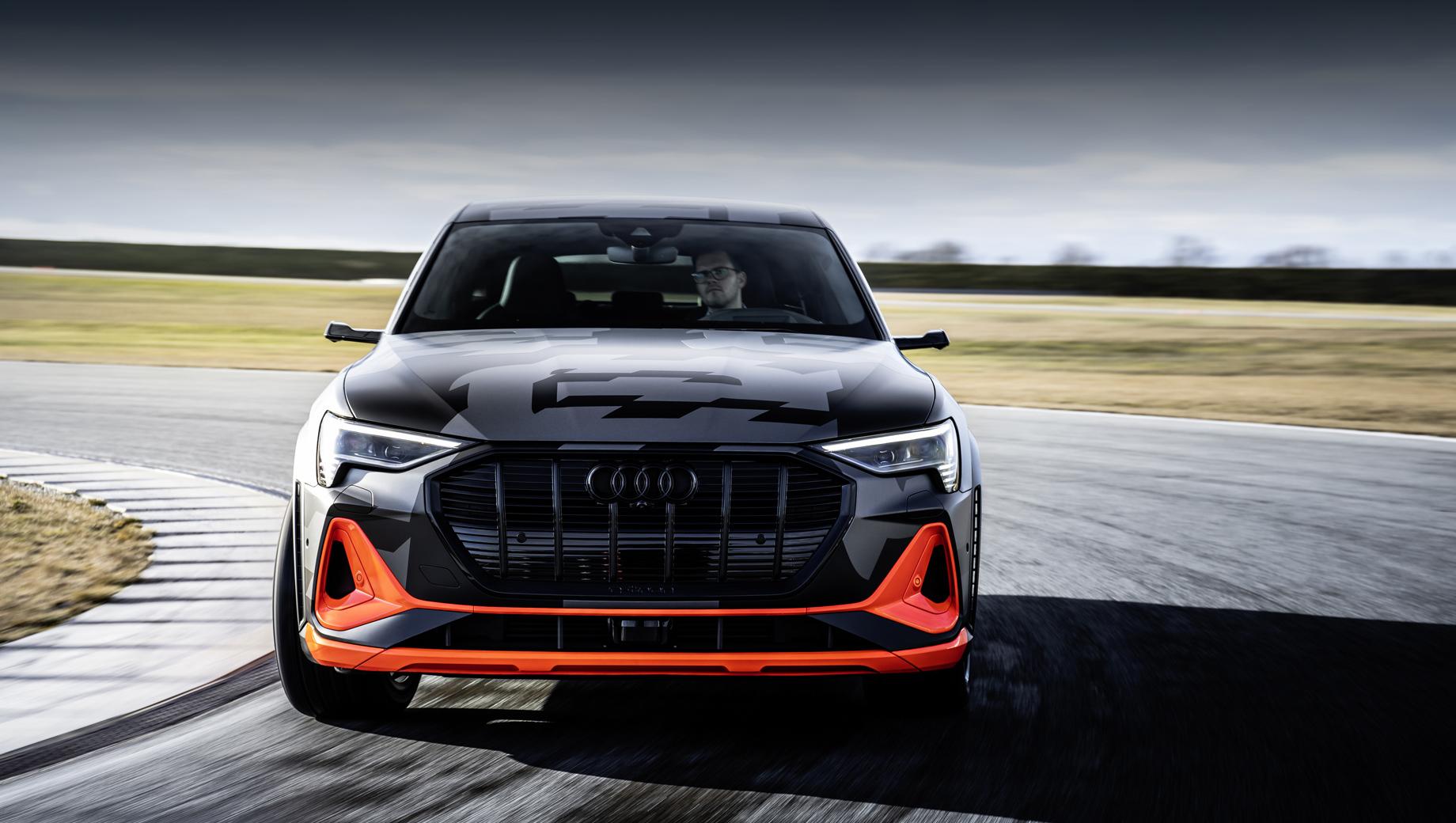 Немцы рассказали об аэродинамике кроссовера Audi e-tron S