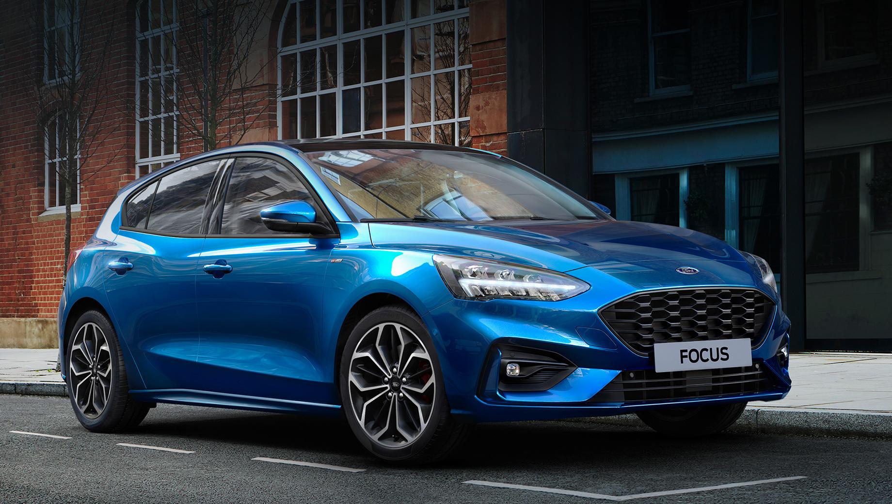 Ford focus. В прошлом году европейцы приобрели 224 401 Ford Focus и вывели модель на второе место по продажам. Не поддался лишь Volkswagen Golf с недосягаемым показателем в 410 779 машин. Увы, у нас «голубой овал» представлен только комтрансом.